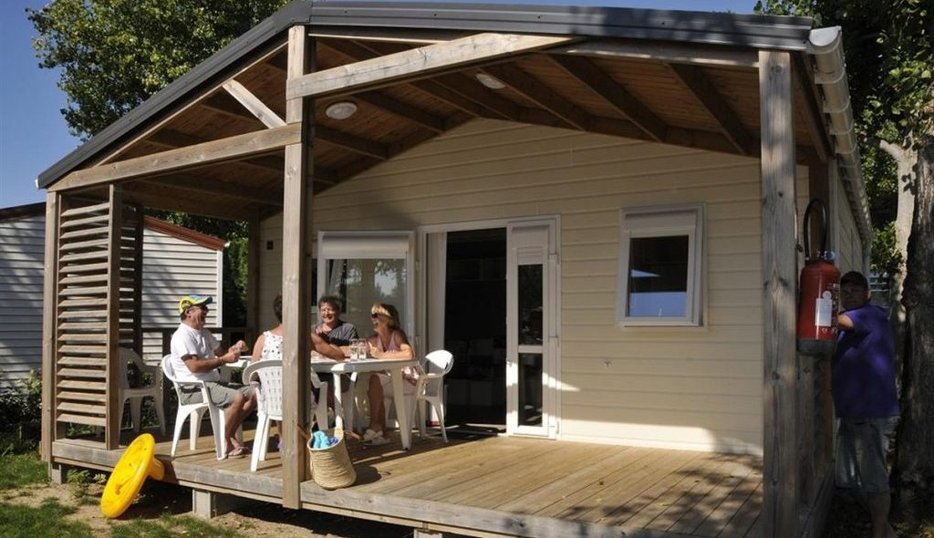 Camping Club Mahana : Chalet Ext