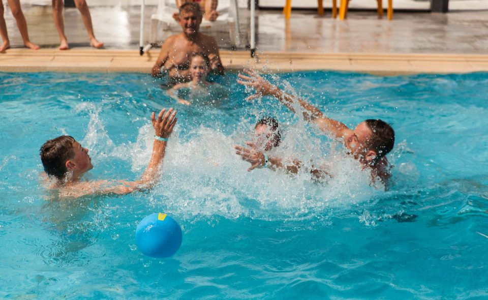 Camping Club Mahana : Waterpolo Camping Club Mahana By La Pege Vendee 85 (21)